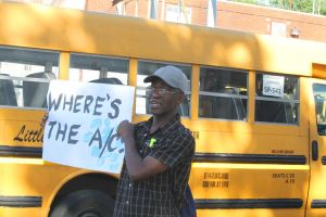 Parents protest hot school buses 2