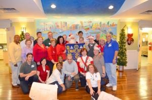 Queens Kiwanians bring Christmas cheer 1