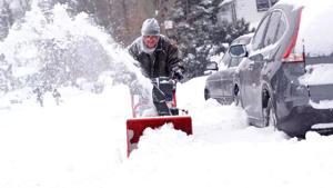 'Historic' blizzard spares Queens, city 1