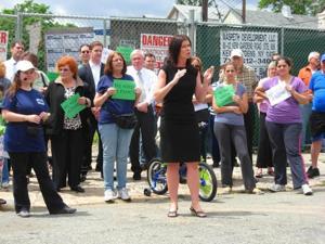 Community presses city to acquire site