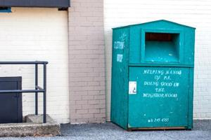 City tackles illegal bins on sidewalks 1