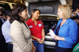 Gillibrand pushes for small businesses 1