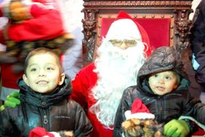 Glendale children visit with Santa at tree lighting 4