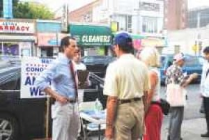 Weiner brings office to his constituents