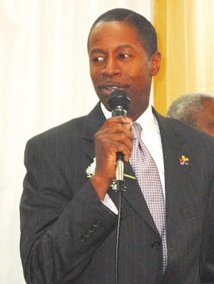 Malcolm Smith joins GOP in NYS Senate 1