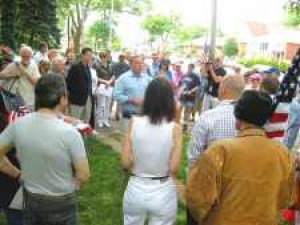 Tea Party patriots rally in Bowne Park