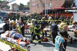 Woodhaven Blvd. bus crash leaves eight hurt 2