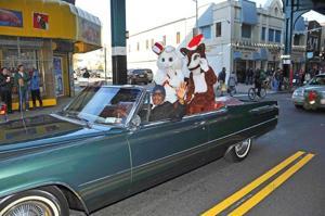 Woodhaven Xmas parade 55100