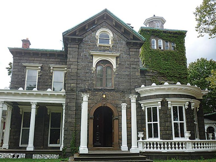 Steinway Mansion bought by investors 1
