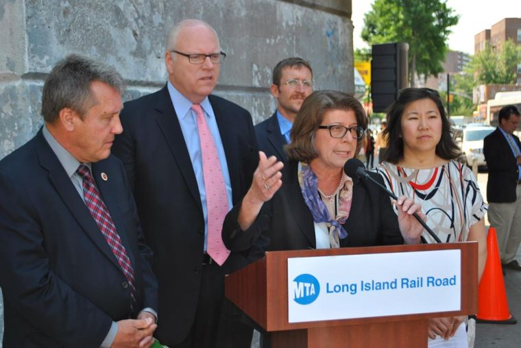LIRR to examine a new Elmhurst station 1