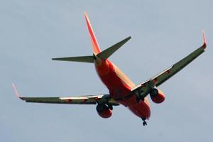 More push against plane noise, pollution 1