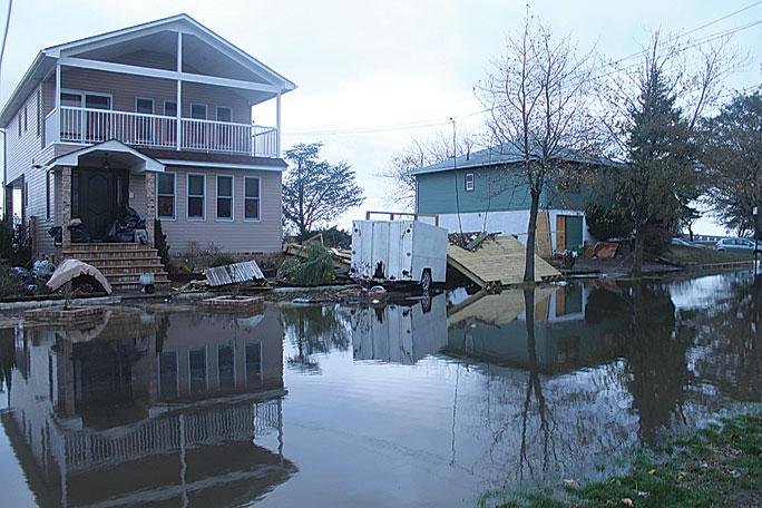 Senate passes bill to delay flood rate hikes 1
