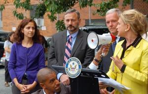 Pols in LIC say no to food stamp cuts 1