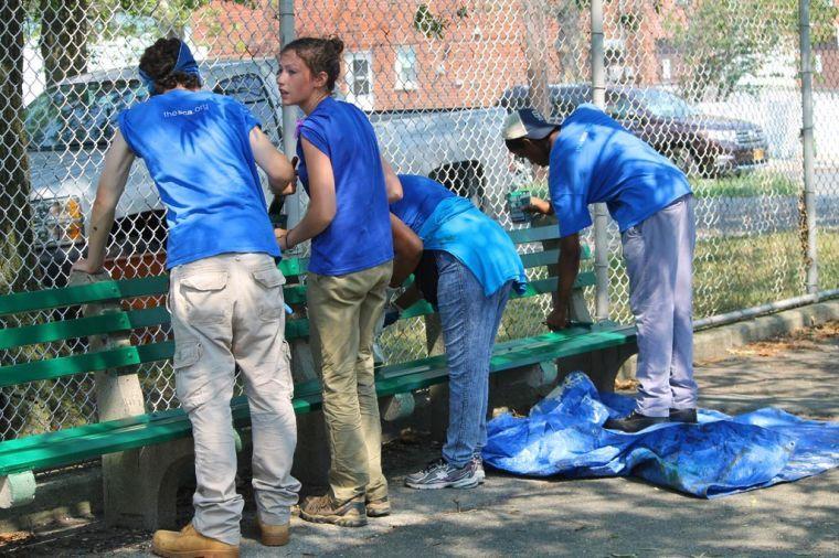 Youth volunteers tackle Charles Park 1