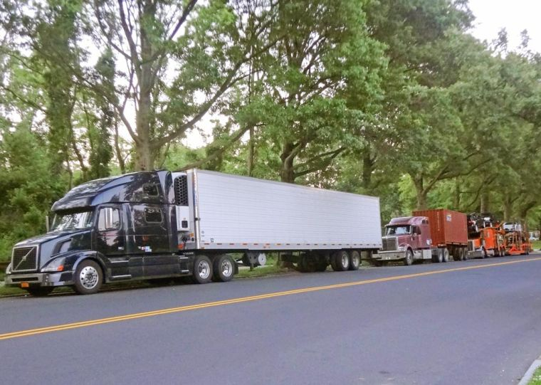 Trucks on 73rd Ave. annoy park-goers 1