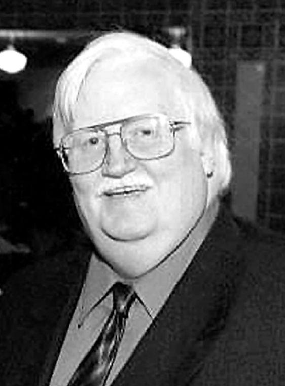 Walter McCaffrey, ex-councilman, dies 1