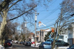 Howard Beach still without electricity, 11 days after Sandy