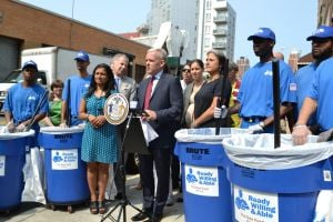 Van Bramer expands Doe Fund to LIC area 1