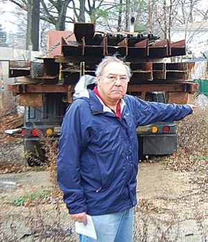 Garbage-strewn lot cleaned in Flushing 1