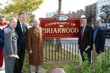 Briarwood Celebrates New Green Space On Queens Blvd.