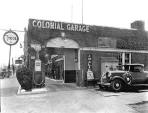 Colonial Garage: last gas in FoHi 1