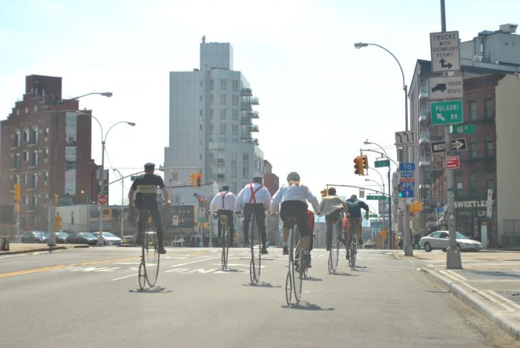 Penny-farthing in LIC 2