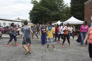 Residents host BBQ for Pan Am families 1