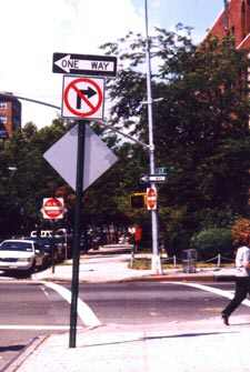 One Year Later, Queens Mall Traffic Plan Causing Headaches