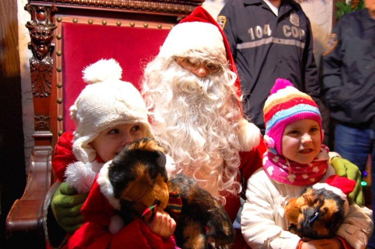Glendale children visit with Santa at tree lighting 5