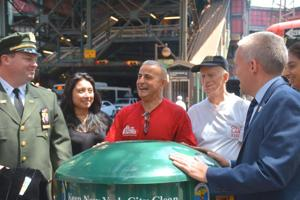 Curbing trash woes in Western Queens 1