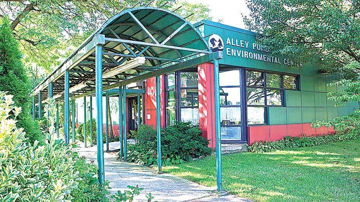 Building delays at APEC continue 1