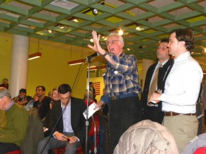 Residents face MTA over 7 Train 1