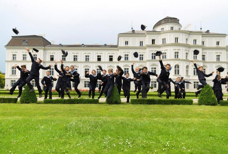 Vienna Boys' Choir sings its way to Queens 1