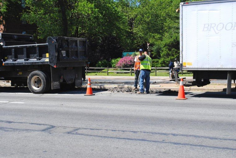 Road work tangles up Woodhaven Boulevard