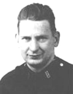 City honors cop killed in 1971 Hollis holdup 1