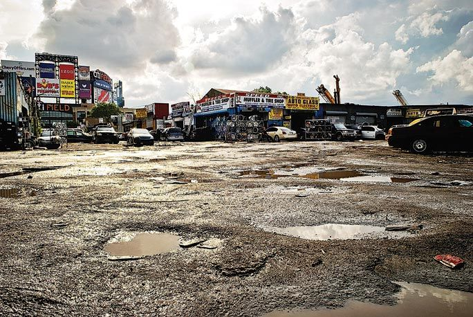 Judge rules with city in Willets Point case 1