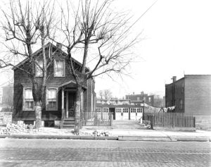 <p>One of Astoria's humble homes, located at 45-11 Broadway, in 1930.</p>