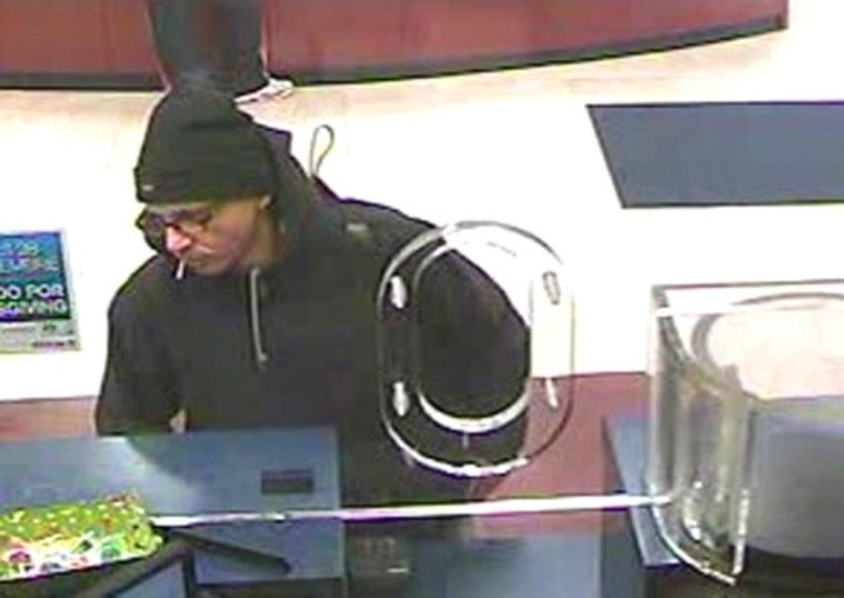 Police need help in finding bank thief 1