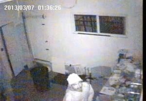 Police search for burglars 1