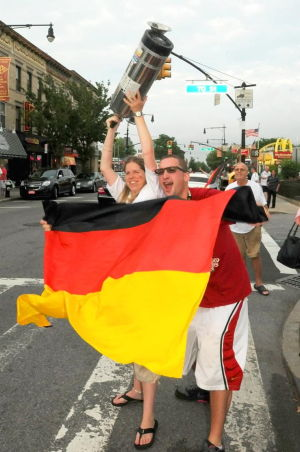 Goooaaal! Glendale celebrates Germany's win