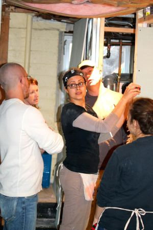 Friends of Rockaway aids Hurricane Sandy survivors get rid of mold 1
