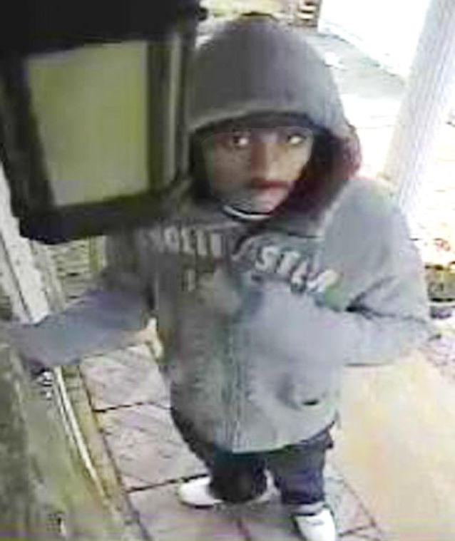 Cops look for suspect in series of burglaries 1