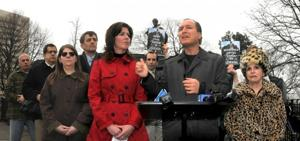 Civic Virtue statue should stay in Queens, Peter Vallone, protesters say