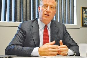 De Blasio reaches stop-and-frisk deal 1