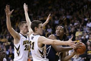 Photos: Hawkeyes basketball 2015-16