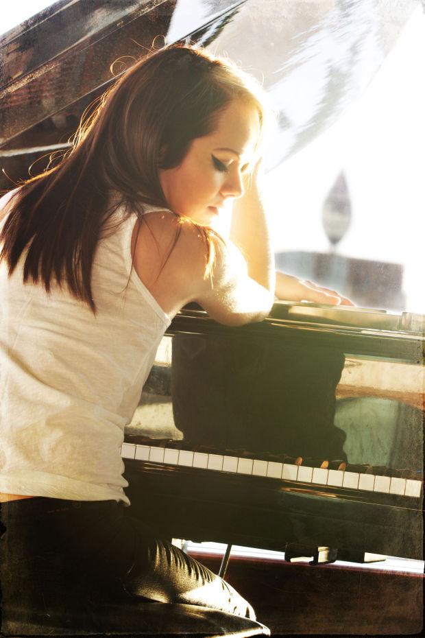 Styles meld for singer-songwriter