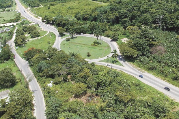 Muscatine engineers design highway in Jamaica