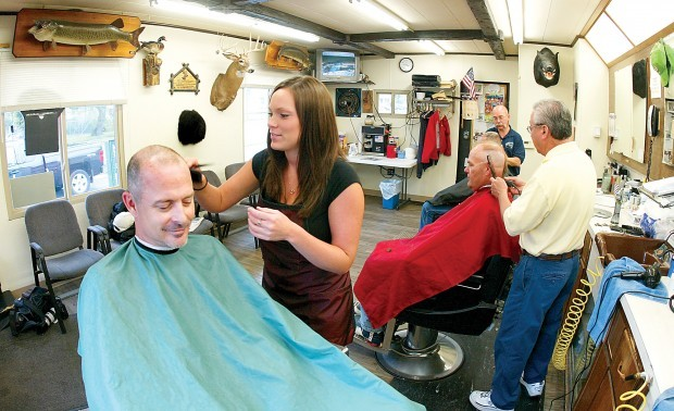 ... is the first lady barber at the dutchman s barber shop in davenport a