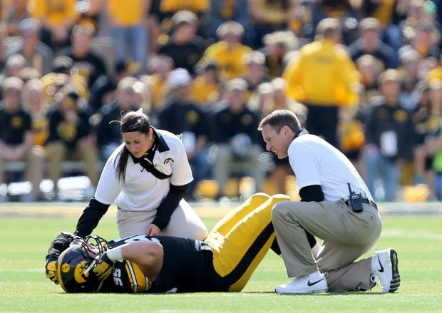 Severity of injury for Hawkeyes' Ott remains undetermined