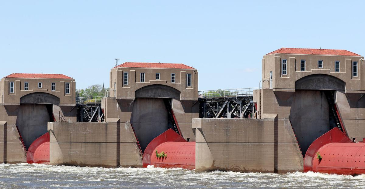 'Pier houses' at Dam 15